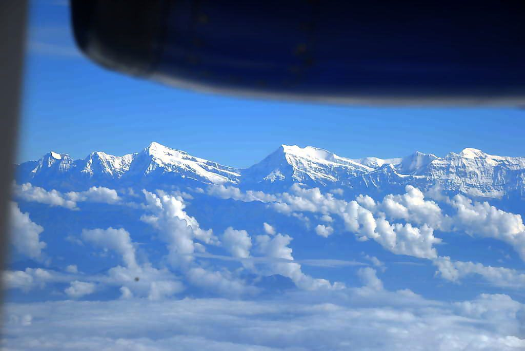 The big pointed mountain on the left is Dhaulagiri 7 (Putha Hiunchuli) 7246 m